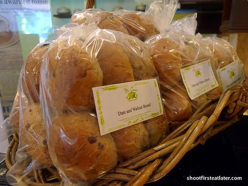 date & walnut bun