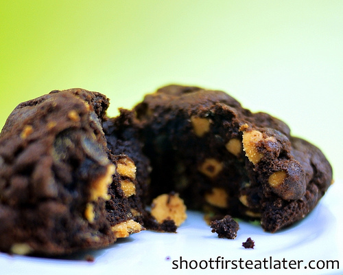 Levain Bakery's dark chocolate peanut butter chip cookie-2