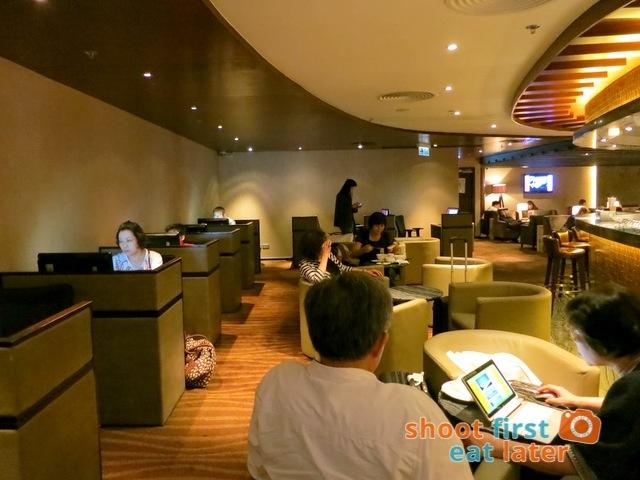 Plaza Premium Lounge Hong Kong-001