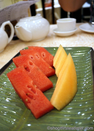 Chuk Yuen Seafood Restaurant- free fruits