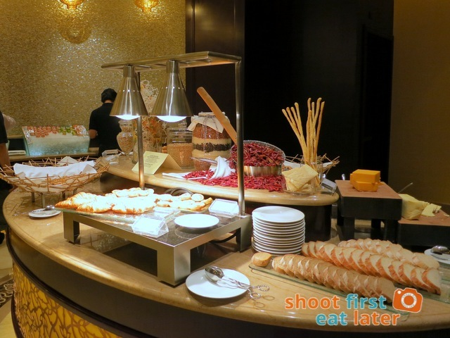 Sheraton Macao Club Lounge breakfast buffet -003