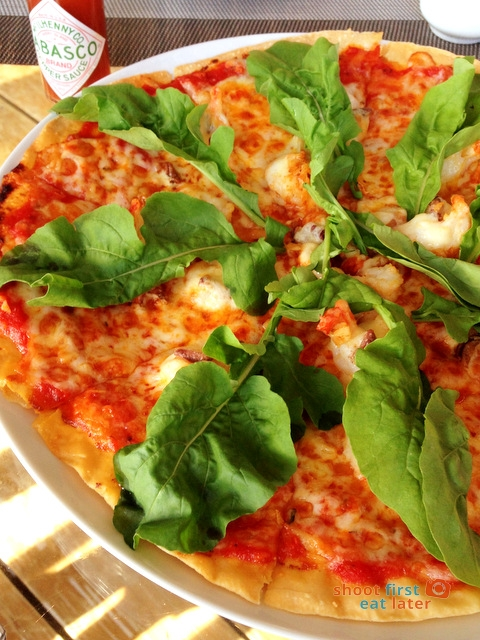 Balesin - shrimp & anchovy pizza