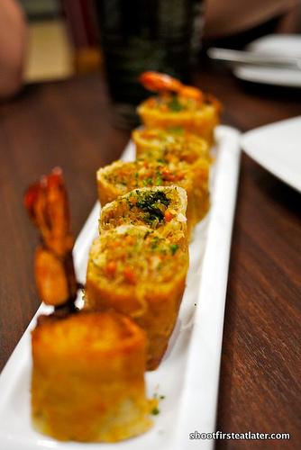 crispy prawn & shiitake spring rolls
