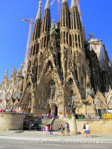 Basilica De La Sagrada Familia (Nativity Facade)