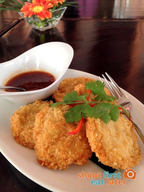 Azuthai - Shrimp Cake with Sweet Spicy Dipping Sauce (Tod Man Goong) P325