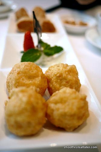 deep fried prawn & crab meat balls