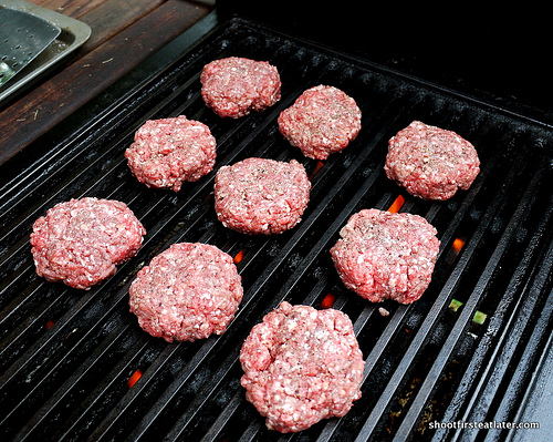 grilled burgers-1