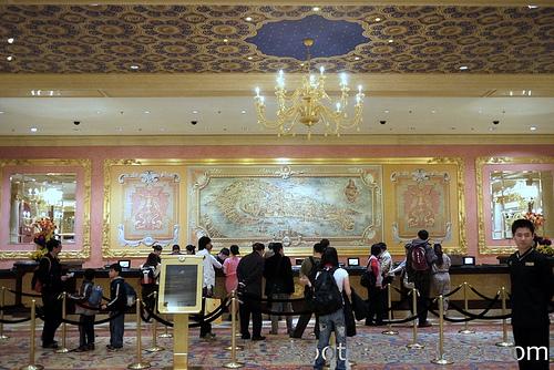 Venetian Macau lobby-3
