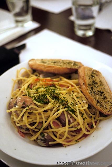 Apartment 1b- spaghetti vongole