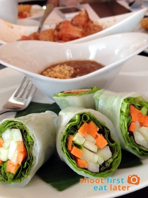 Azuthai - Fresh Thai Spring Rolls in Rice Paper with Special Sauce Poh Pia Paksot P195