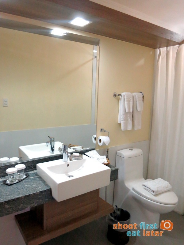Baguio Country Club 3 Bedroom Cottage-013