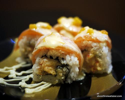 lobster salad w: seared salmon roll-3