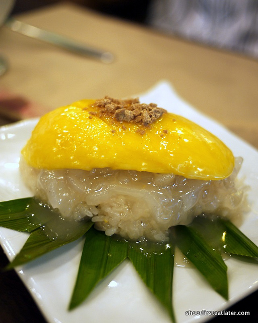 mango w: sticky rice