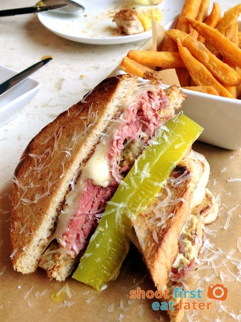 Reuben Sandwich P489