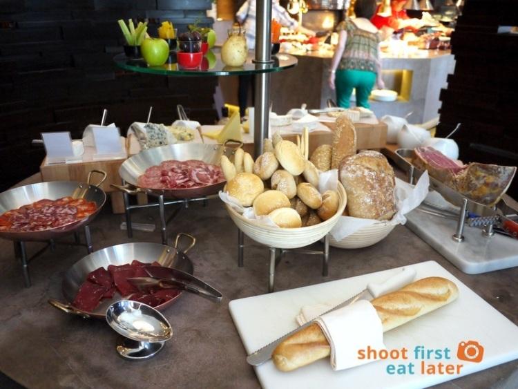 Marco Polo Hotel Ortigas Cucina Restuarant Buffet- cheese & charcuterie -003