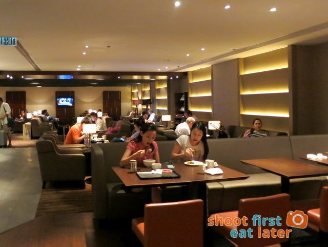 Plaza Premium Lounge Hong Kong-008