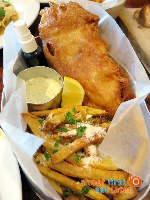 flounder fish & chips P325