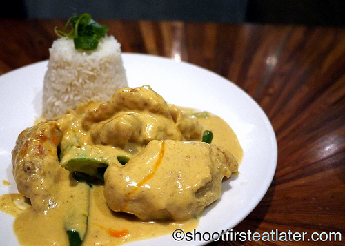 Nahm-pan fried fillet of sole in yellow curry sauce-2