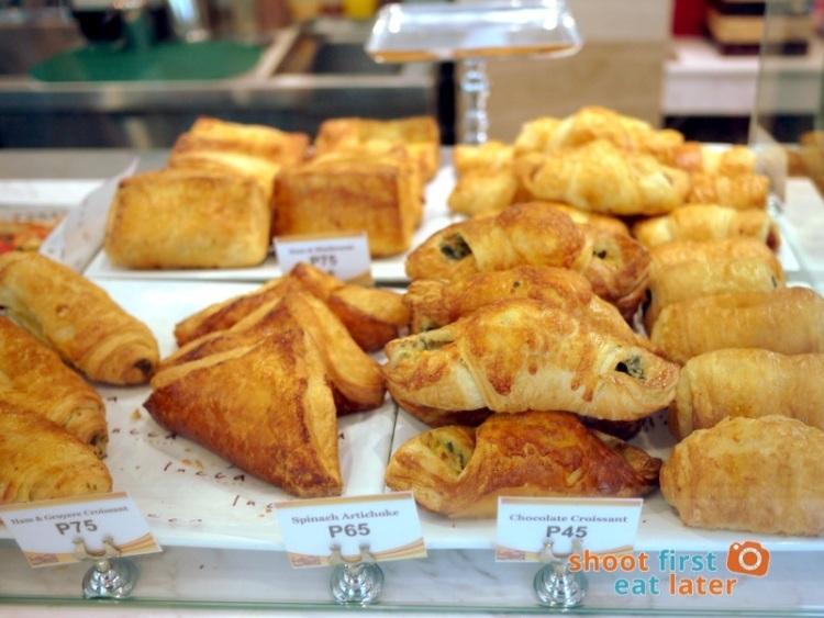Lucca Bakery (SM Mega Fashion Hall)- Ham & Gruyere Croissant P75, Spinach Artichoke Croissant P65, Chocolate Croissant P45