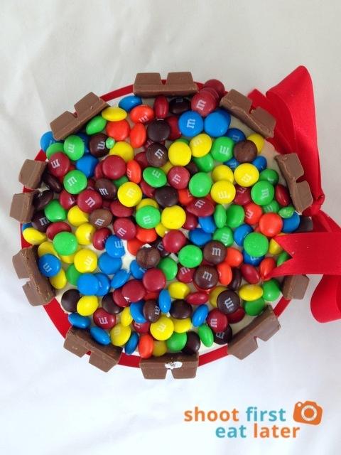 The Beehive Pastries- Kit Kat Cake Jr. . P650-001