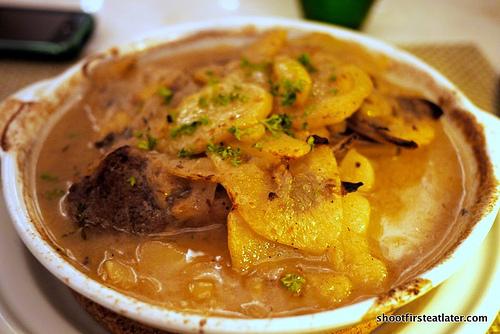 lamb chops w/ potatoes, onions & fresh thyme