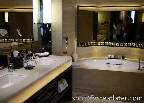 Ritz-Carlton Hong Kong Junior Suite-3