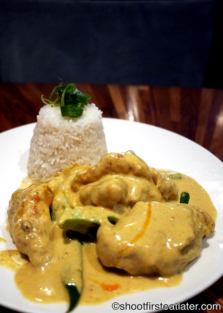 Nahm-pan fried fillet of sole in yellow curry sauce