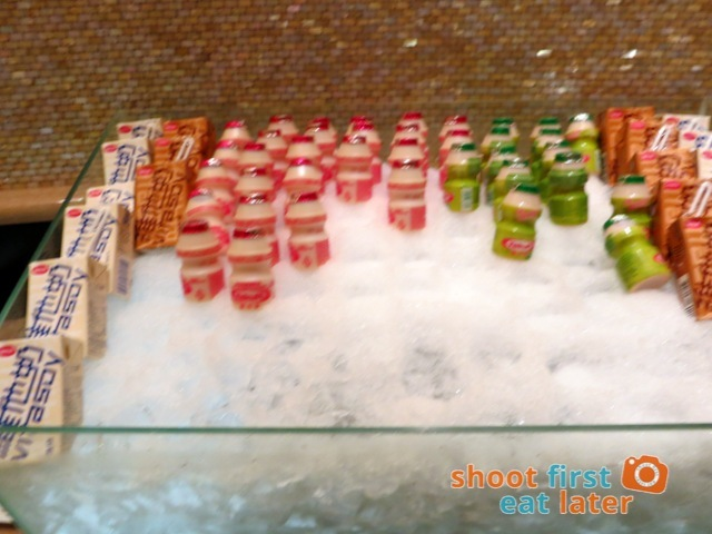 Sheraton Macao Club Lounge breakfast buffet - yakult & Vitasoy
