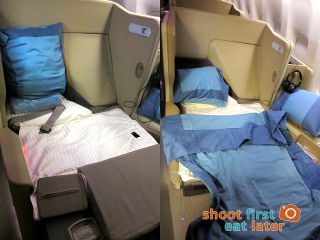 SQ 285 Boeing 777 300ER  business class seat