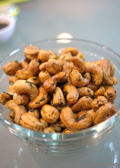 Rosemary Roasted Cashews-7