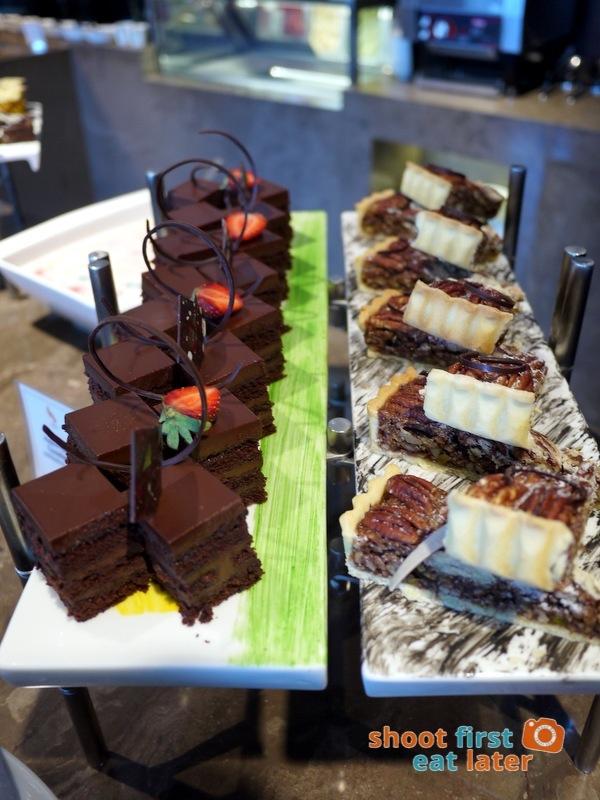 Marco Polo Hotel Ortigas Cucina Restuarant Buffet- chocolate cake & pecan tart