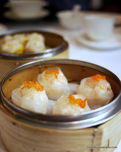 steamed shrimp dumplings w/ bird's nest