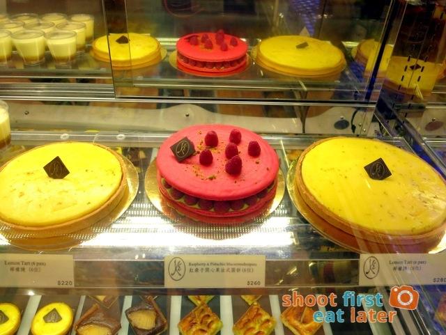 Eric Kayser Hong Kong - lemon tart & giant raspberry and pistachio macaron