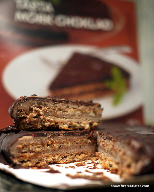 Ikea Almond Cake w: Dark Chocolate-3