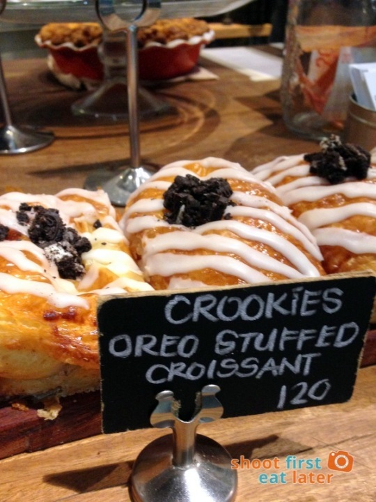 Wildflour Cafe Podium - 06 crookies (Oreos stuffed croissant) P120