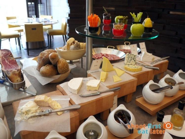 Marco Polo Hotel Ortigas Cucina Restuarant Buffet- cheese & charcuterie -001