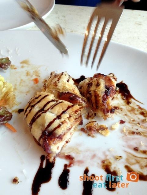 Kettle Restaurant (Shangri-La) - Baked Brie P389-001