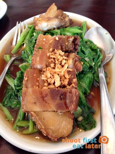 Azuthai - Stir- Fried Kale with Crispy Pork (Pahk Kahna Moo Krop) P465