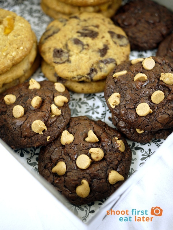 Flour Jar by Beatriz Cookies- Reese's Chocolate Chewy
