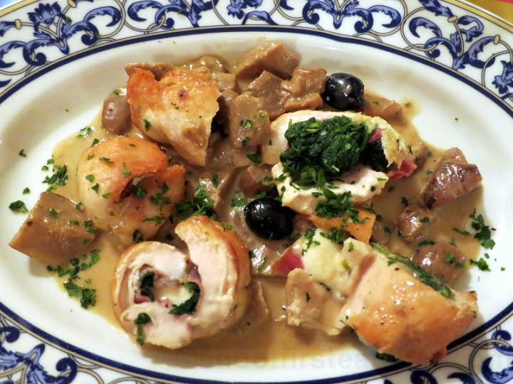 coscia di pollo ripieno (stuffed chicken pie) €14-001