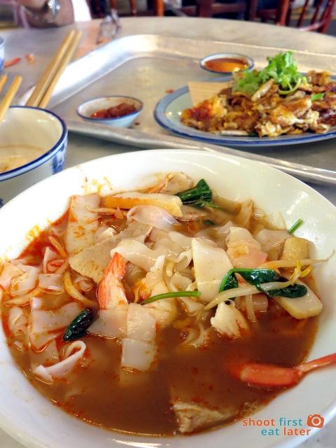 signature prawn noodle (dry) S$5