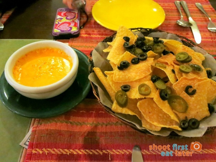 Iguana's Authentic Mexican Food- Nachos P150