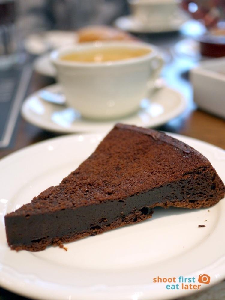 Paul Boulangerie Manila- moelleux chocolat (chocolate cake) P180