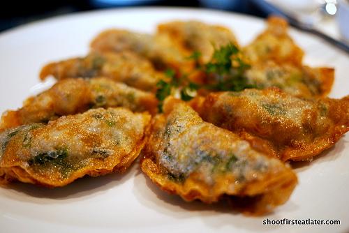 Crispy pork dumpling w/ shrimp & chives
