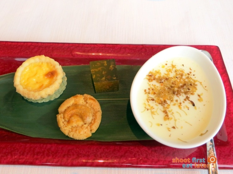 Tin Lung Heen - Chilled Milk Jelly with Osmanthus, Traditional Baked Egg Custard Tart with Petit Fours