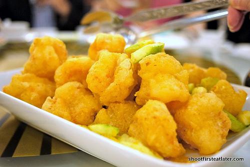 golden prawns w/ salted egg