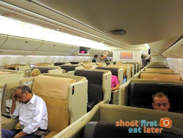 SQ 285 Boeing 777-300ER  business class
