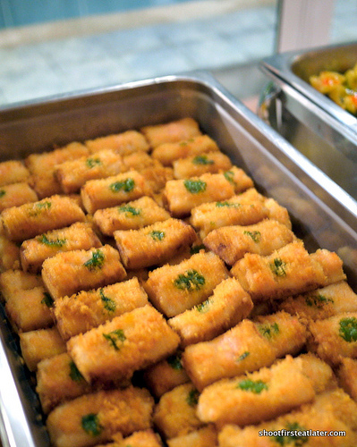 fried fish fillet on toast