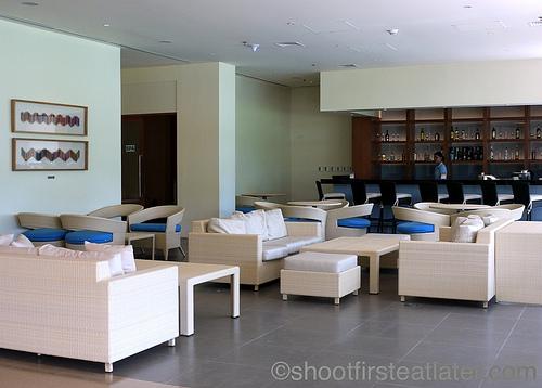 Pico Sands Hotel- the lobby & bar