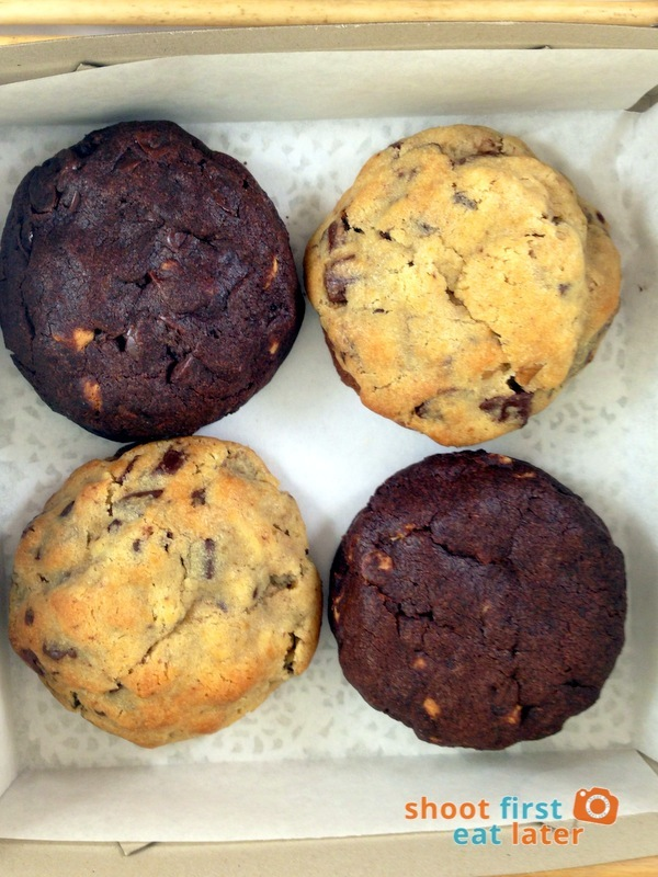 GourmetFinds - Chocolate and Peanut Butter Chip Cookies, Choc Chip Walnut Cookies